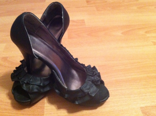 my pretty black frilly pumps